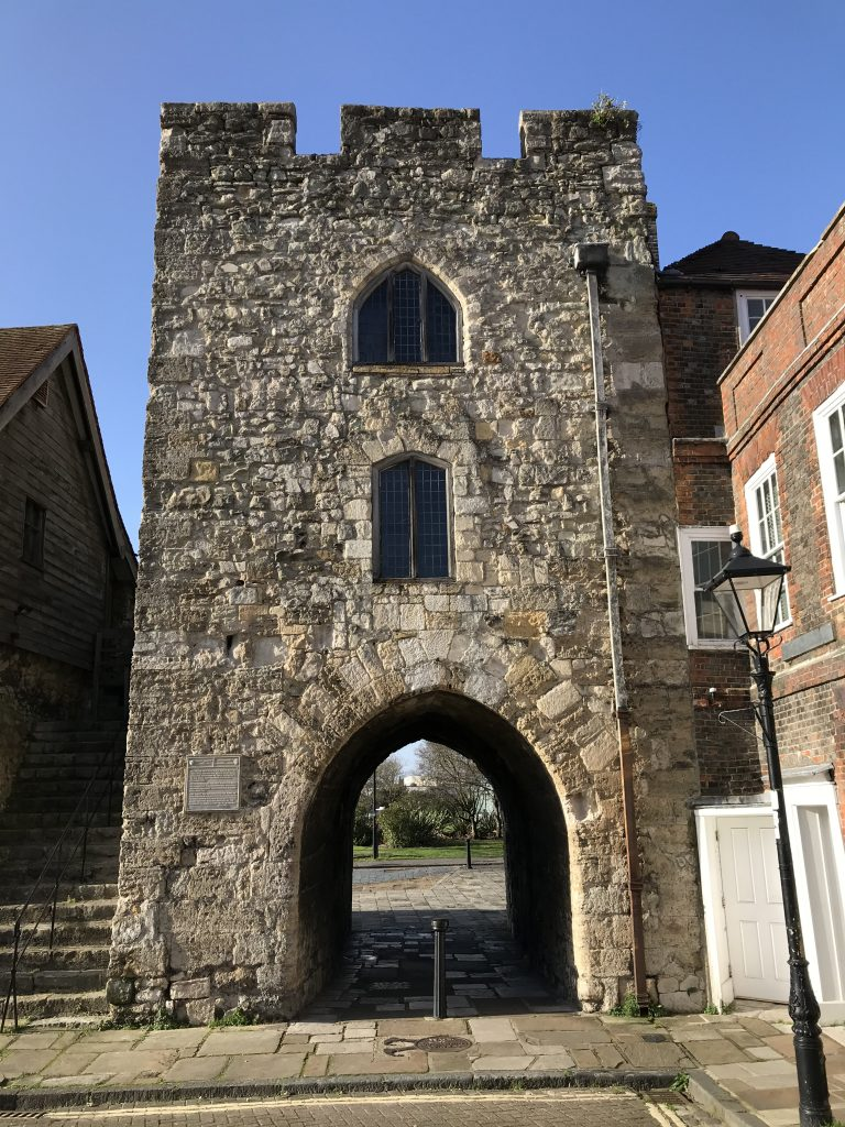 The Westgate which led to Southampton's West Quay. If you were to stand here, the Duke of Wellington would be behind you.